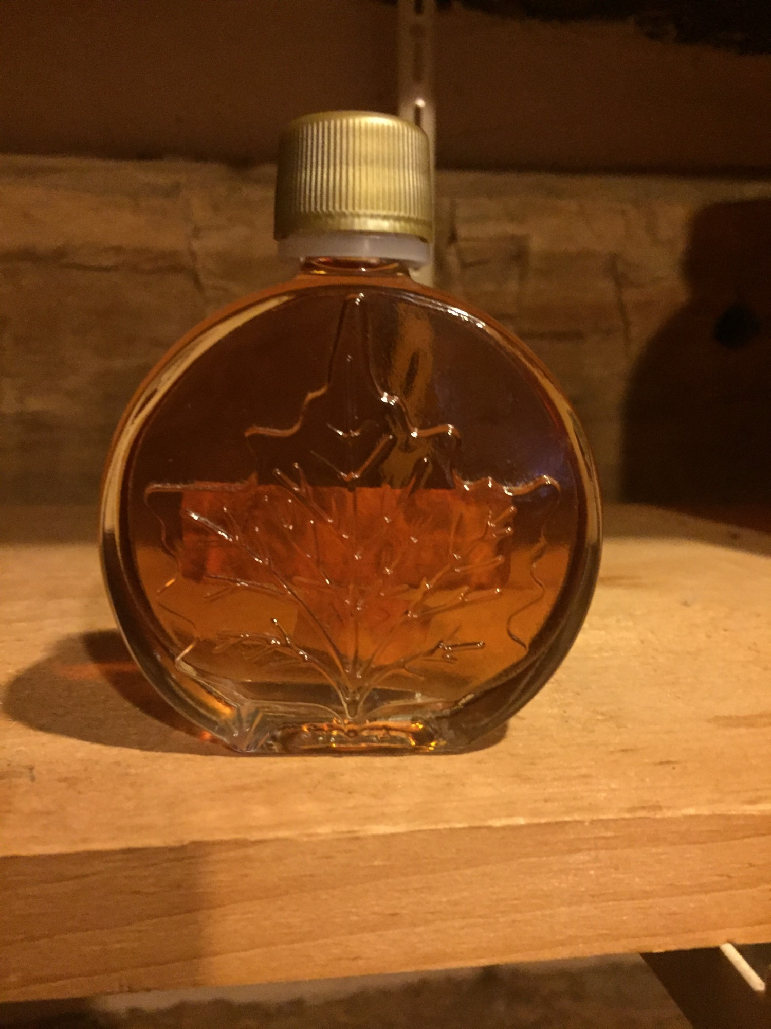Maple Leaf Glass Oval